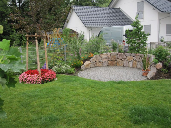 kenzingen-2010-neueanlage-eingang-garten-zaun-terraze-bepflanzung-10
