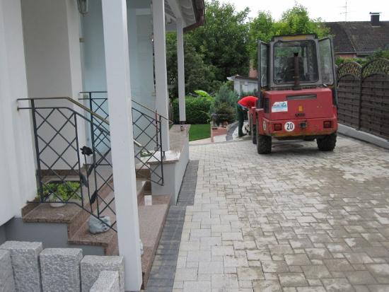 kenzingen-2010-neueanlage-eingang-garten-zaun-terraze-bepflanzung-5